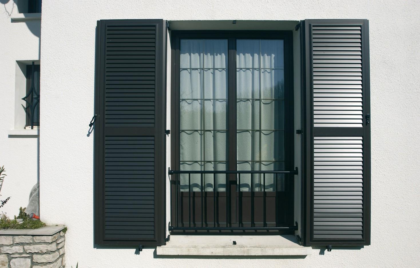 volets battants aluminium ternois fermetures. Black Bedroom Furniture Sets. Home Design Ideas